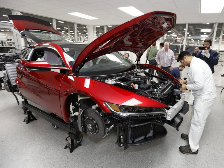 NSX-being-built-768x575.jpg